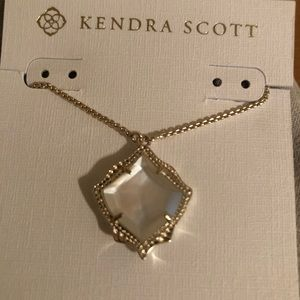 Kendra Scott Kacey Pendant Necklace Gold MOP